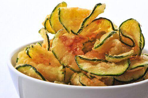 Τσιπς λαχανικών: τρεις εύκολοι τρόποι να τα φτιάξετε