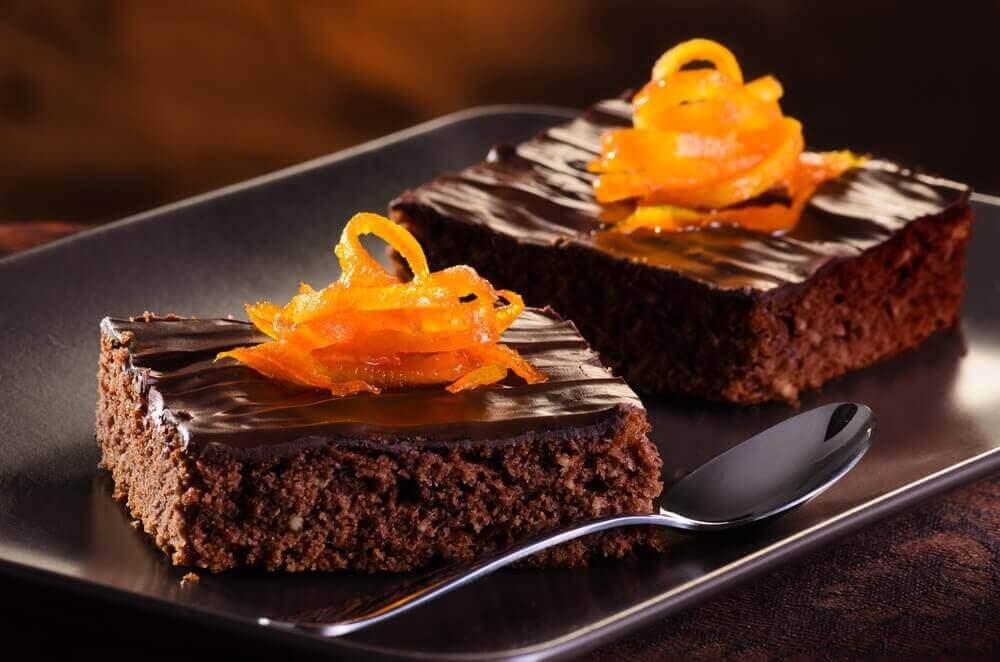Κέικ σοκολάτας με πορτοκάλι: είναι πεντανόστιμο!
