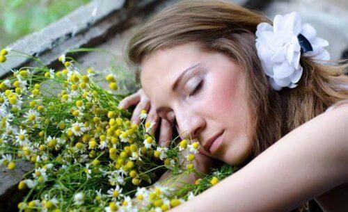 Αρωματικά έλαια για να μπορέσετε να κοιμηθείτε καλύτερα