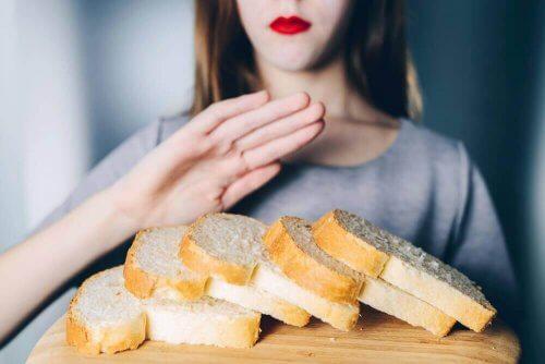 Γυναίκα λέει όχι στο ψωμί