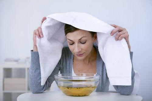 4 σπιτικές θεραπείες για να ξεφορτωθείτε τα σπυράκια στη μύτη σας!