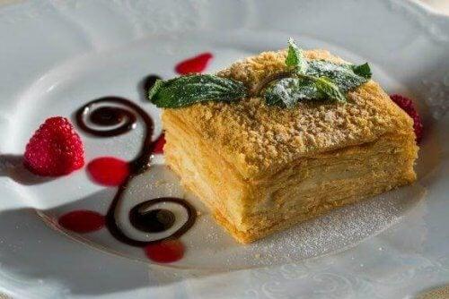 Ανακαλύψτε πώς να φτιάξετε Vanilla slice