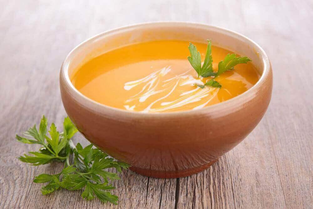 Κρέμα καρότου: 2 εύκολοι τρόποι για να την φτιάξετε