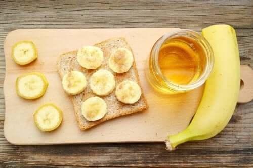 Μπανάνα με ψωμί και μέλι