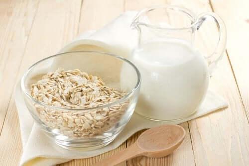 Γάλα βρώμης και νιφάδες βρώμης