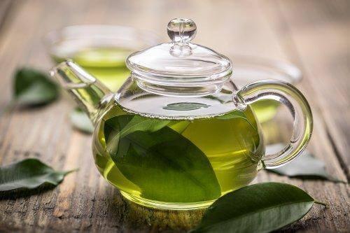 Πράσινο τσάι σε κανάτα