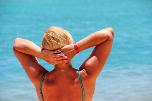 Τέσσερις φυσικές θεραπείες για την εξάντληση από τον ήλιο