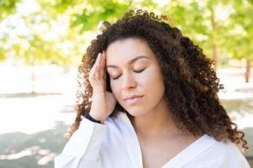 Πώς να απαλλαγείτε από τον καλοκαιρινό πονοκέφαλο