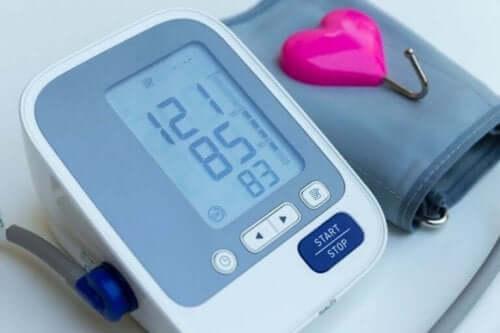 Έλεγχος πίεσης με πιεσόμετρο