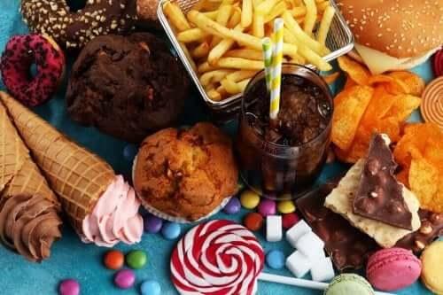 Διάφορα φαγητά με ζάχαρη