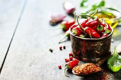 Κόκκινες καυτερές πιπεριές
