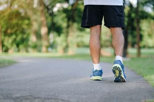 8 λόγοι που το περπάτημα είναι ωφέλιμο