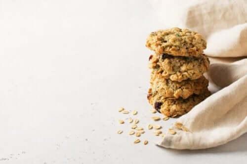 Φτιάξτε μπισκότα βρώμης χωρίς ζάχαρη και βούτυρο