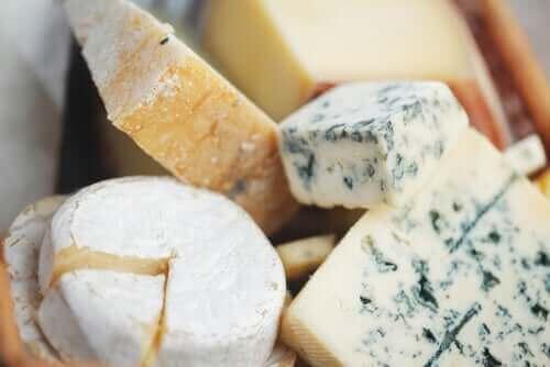Διάφορα είδη τυριών