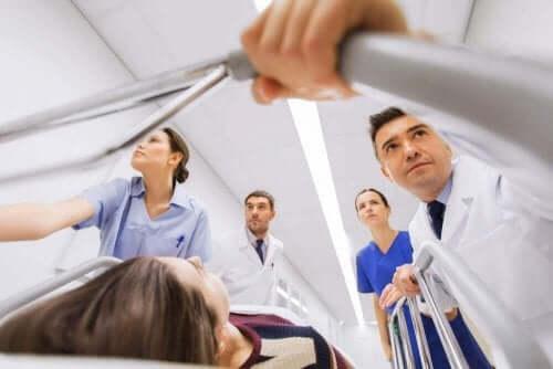 Γιατροί και ασθενής