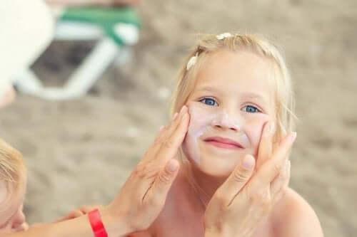 Καλοκαιρινή φροντίδα του δέρματος στα παιδιά