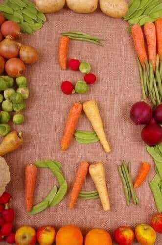 Πέντε γεύματα την ημέρα: Πρέπει να τα τρώτε;
