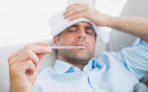 Άνδρας με πυρετό