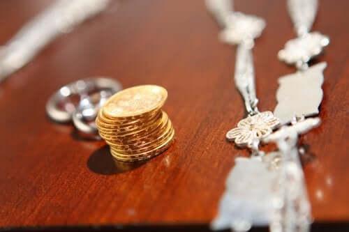 Τι είναι τα νομίσματα ενότητας σε έναν γάμο;