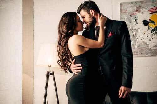 Πώς να κρατήσετε ζωντανό το πάθος σε μία σχέση