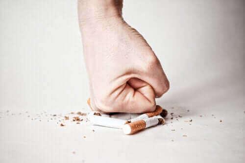 Κόψιμο του καπνίσματος: Πώς ν' αντιμετωπίσετε κάθε στάδιο