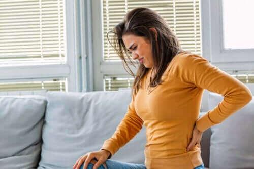 Πονάνε τα νεφρά σας: Λόγοι, συμπτώματα, αντιμετώπιση