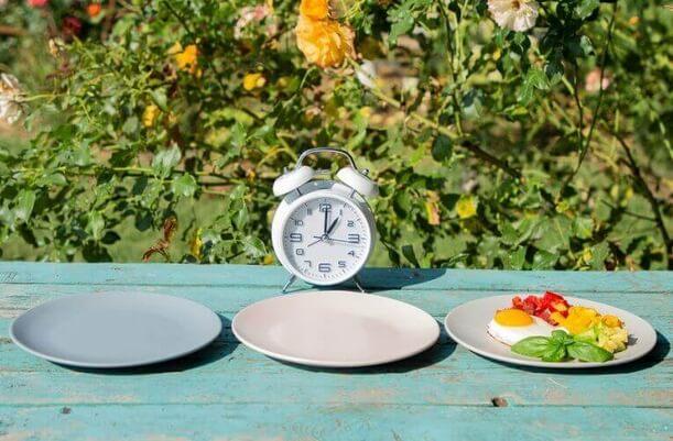 Διαλειμματική νηστεία για τη μη αύξηση βάρους