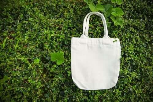 Φτιάξτε μοδάτες επαναχρησιμοποιήσιμες τσάντες αγορών