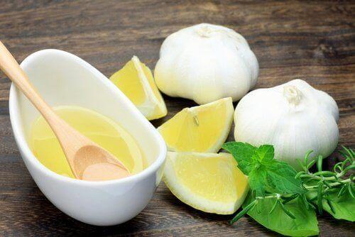 Σκόρδα και λεμόνι