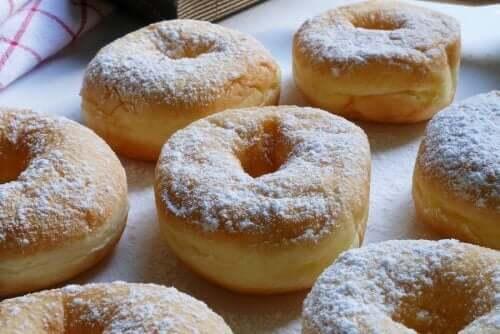Νόστιμα σπιτικά ντόνατς με καραμέλα γάλακτος