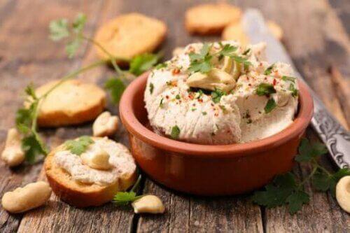 Τρεις απίθανες συνταγές για βέγκαν τυρί