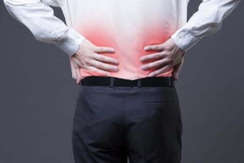 Πώς να αντιμετωπίσετε τον πόνο στη μέση