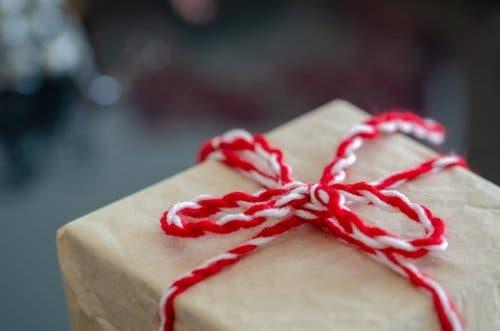 Κουτί δώρου με σχοινί