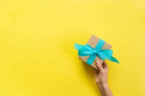 Τρία κουτιά για δώρα που μπορείτε να φτιάξετε στο σπίτι
