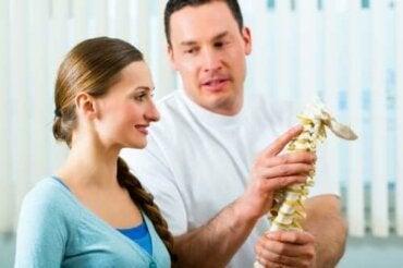 Πέντε ασκήσεις για να δυναμώσετε τη σπονδυλική στήλη