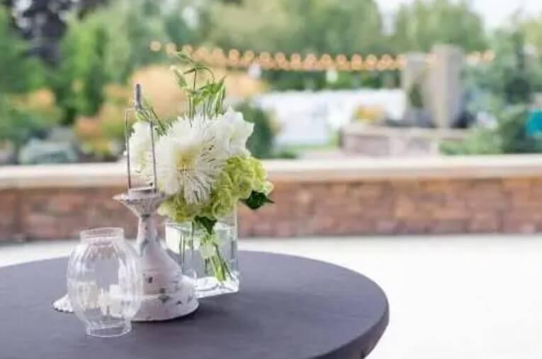 Πώς να διακοσμήσετε το τραπέζι σας: Φθηνές DIY ιδέες