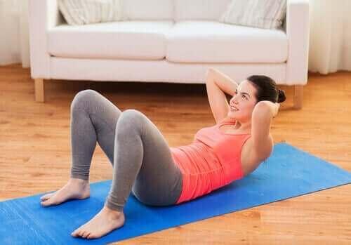 Ασκήσεις για να δυναμώσετε τη σπονδυλική στήλη