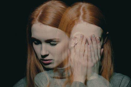 Γυναίκα λυπημένη
