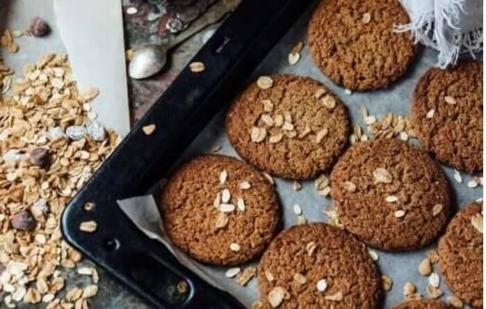 μπισκότα χωρίς ζάχαρη και βρώμη σε ταψί