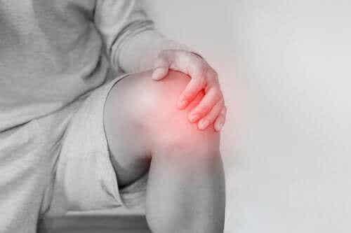 Εξάρθρωση γονάτου: Ποιες οι αιτίες και πώς αντιμετωπίζεται