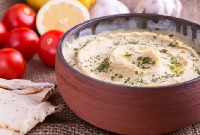 πανεύκολη συνταγή με χούμους και πάπρικα