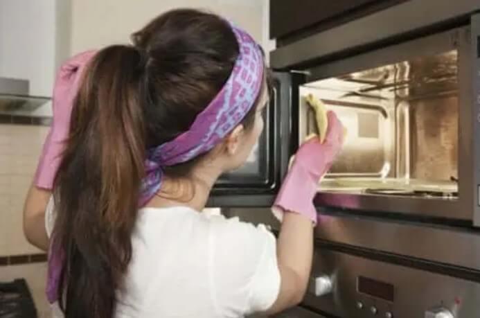 Πώς να καθαρίσετε το φούρνο σας