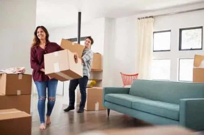 Πώς να μετακομίσετε μαζί χωρίς να τρελαθείτε