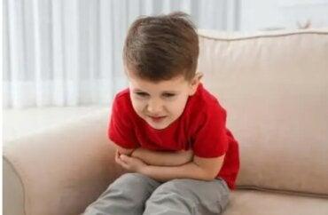 Πώς να αποτρέψετε τη ναυτία και τον εμετό στα μωρά