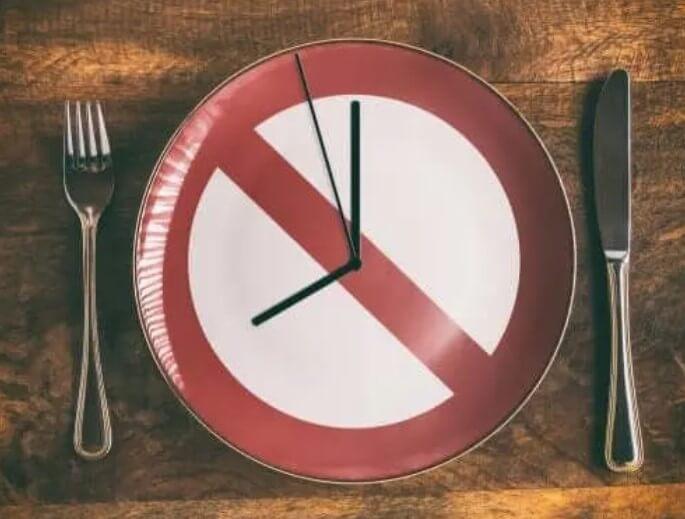 Ρολόι σε πιάτο