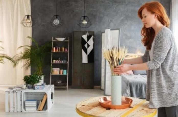 5 φθηνές ιδέες για να διακοσμήσετε το σαλόνι σας