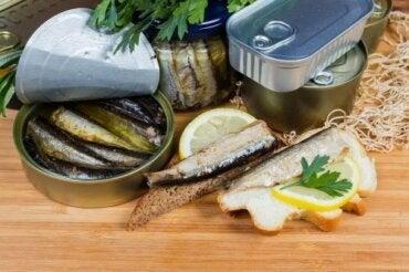 Είναι υγιεινό να καταναλώνουμε το υγρό στις κονσέρβες;