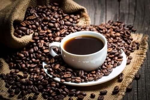 Γνωρίστε τι λέει η επιστήμη για την καφεΐνη