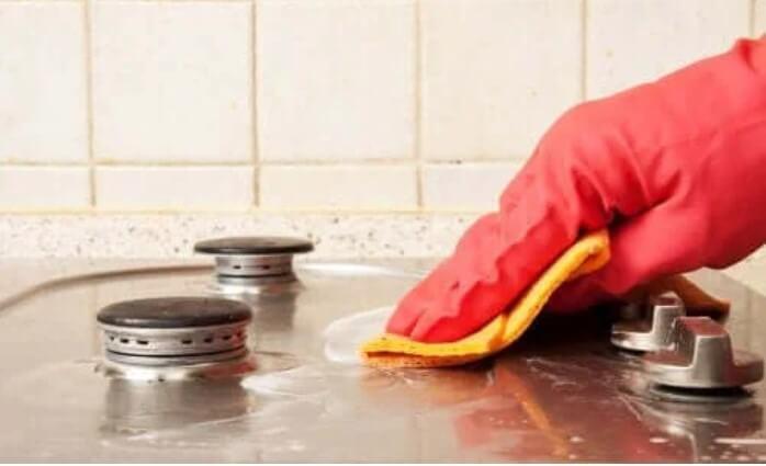 Καθαριστικό για τα λίπη σε μάτι της κουζίνας