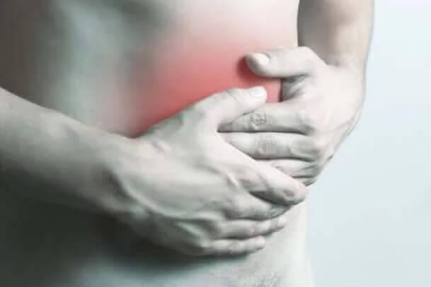 πόνος στην δεξιά πλευρά της κοιλιάς